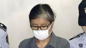 Bà Choi Soon-sil lãnh án đầu tiên 3 năm tù