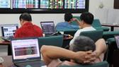 Thiếu quy định, đầu tư chứng khoán nhiều rủi ro
