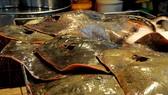 Chợ cá tươi chỉ họp vào ban đêm ở Sài Gòn