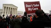 美國各地民眾遊行要求保留奧巴馬醫保。(圖源:Deutsche Welle)