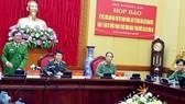 陳文衛中將在新聞發佈會上發言。