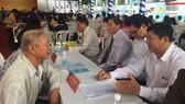 當日約10名知名度的律師免費為市民解答關於法律知識,吸引眾多市民前來諮詢。