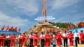 Cắt băng khánh thành công trình Nghĩa trang liệt sĩ xã Hòa Khương