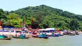 Đông đảo người dân về dự Lễ hội Đền Chiêu Trưng Đại vương Lê Khôi dịp lễ giỗ lần thứ 571 năm ngày mất của Chiêu trưng Đại vương Lê Khôi (1446-2017)