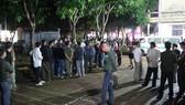 Đến tối 15-11, người nhà mới đưa thi thể sản phụ Hồ Thị H. về nhà để tổ chức mai táng