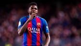 Umtiti xuất sắc cũng là nỗi lo với Barca. Ảnh: Getty Images