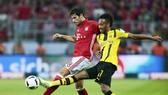 """Liệu sức nóng của trận """"kinh điển"""" có giúp tiền đạo Pierre-Emerick Aubameyang của Dortmund (phải) kết thúc cơn khô hạn bàn thắng? Ảnh: Getty Images"""