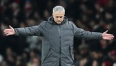 Mourinho buộc phải giải trình