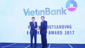 Đại diện VietinBank nhận giải thưởng Ngân hàng Điện tử tiêu biểu nhất năm 2017