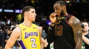 LeBron James (phải) và Lonzo Ball