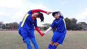 Các cầu thủ Việt Nam thoải mái trong buổi tập chiều 20-8. Ảnh: Đoàn Nhật