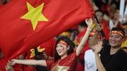 """CĐV Việt Nam đã góp phần """"hâm nóng"""" sân vận động Bukit Jalil. Ảnh: MINH HOÀNG"""