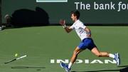 Djokovic - người một nơi, vợt một nẻo, bị loại khỏi Indian Wells