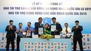 Lễ công bố nhà tài trợ giải hạng Nhất 2019. Ảnh: MINH HOÀNG