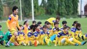 Một bài tập vận động của đội tuyển nữ Việt Nam. Ảnh: Nhật Đoàn