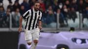 Tiền đạo Gonzalo Higuain sẽ av81ng mặt trận gặp Napoli. Ảnh Getty Images.