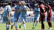 Niềm vui của các cầu thủ Lazio sau khi Dusan Basta ghi bàn vào lưới AS Roma. Ảnh: Dailymail