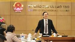Bộ trưởng Phùng Xuân Nhạ phát biểu
