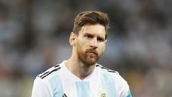 """Messi có phải đang cố tình chơi tệ để """"đá bay"""" ghế Sampaoli? Ảnh Getty Images"""