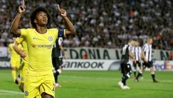 Willian mừng bàn thắng duy nhất cho Chelsea. Ảnh: Getty Images