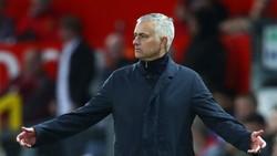 HLV Jose Mourinho luôn đối mặt với chỉ trích khi Man.United sa sút. Ảnh: Getty Images