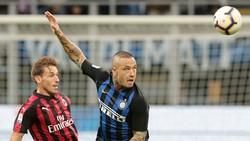 Mất Radja Nainggolan (phải) sẽ khiến năng lực phòng ngự giữa sân của Inter bị ảnh hưởng nghiêm trọng. Ảnh: Getty Images