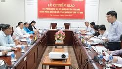 Chuyển giao Văn phòng Đoàn đại biểu Quốc hội tỉnh về UBND tỉnh Tây Ninh