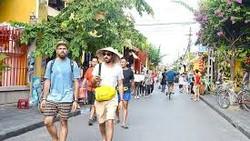 Việt Nam coi phát triển du lịch là ngành kinh tế mũi nhọn