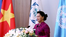 Chủ tịch Quốc hội Nguyễn Thị Kim Ngân phát biểu tại hội nghị. Ảnh: VGP