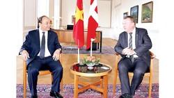 Thủ tướng Nguyễn Xuân Phúc hội đàm với Thủ tướng Đan Mạch Lars Lokke Rasmussen. Ảnh: TTXVN