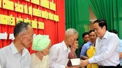 Ủy ban Trung ương MTTQ Việt Nam tặng quà cho đối tượng chính sách