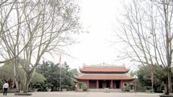 Bài 1: Khu di tích nhà Trần
