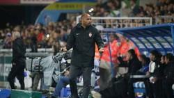 Khởi đầu không vui với Thierry Henry