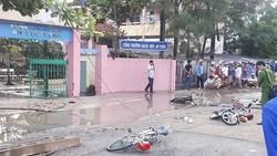 """Vụ đứt dây điện làm 2 học sinh chết ở Long An: """"Do sét đánh"""""""
