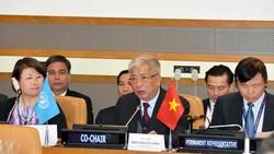 Thượng tướng Nguyễn Chí Vịnh phát biểu khai mạc hội thảo. Ảnh: YÊN BA