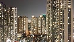 Các cao ốc chung cư liên tục được xây mới, nhưng số người mua để ở thường không nhiều, mà chủ yếu mua để đầu tư.  Ảnh: HỒ THỊ VIỆT HÀ
