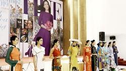 Độc đáo tại không gian áo dài và tơ lụa tại Festival nghề truyền thống Huế 2019