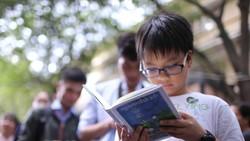 Việc đọc sách với trẻ nhỏ phải bắt đầu từ sự hứng thú           . Ảnh: DŨNG PHƯƠNG