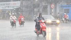 Hạn chế ra đường khi có mưa to, gió giật
