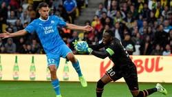 Marseille mất điểm vì Payet nhường Benedetto đá phạt đền