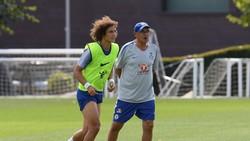 David Luiz và Maurizio Sarri trên sân tập