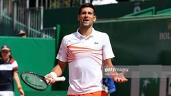 Novak Djokovic bất ngờ thua sốc