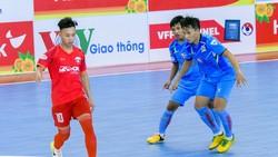 Đà Nẵng (áo đỏ) thua đau trước Sài Gòn FC.  Ảnh: ANH TRẦN