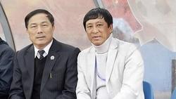 Ông Bảo chia tay bầu Đệ ở Thanh Hóa. Ảnh: MINH HOÀNG