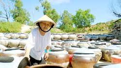 Gìn giữ nghề nước mắm truyền thống
