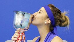 "Belinda Bencic - ""truyền nhân"" của Martina Hingis"