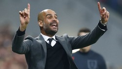 Swansea - Man City 0-4: Thầy trò Pep Guardiola lập kỳ tích