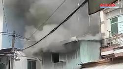 Sét đánh cột điện gây cháy tại hẻm 254 quận Tân Bình