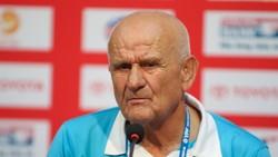 Để thua hai trận liền, HLV Petrovic (Thanh Hóa) là nốt trầm lớn nhất ở vòng 18. (Ảnh: DŨNG PHƯƠNG)