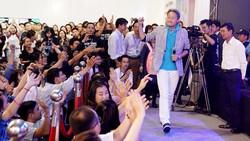 Kazuo Hirai, CEO và Chủ tịch Tập đoàn Sony toàn cầu xuất hiện trẻ trung tại TPHCM